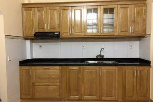 Tủ Bếp Bằng Gỗ Sồi Tự Nhiên TB055
