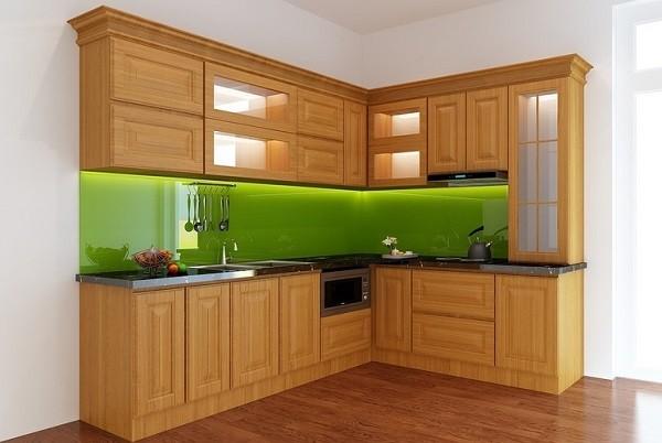 Mẫu gỗ sồi tự nhiên mang lại vẻ hiện đại và sang trọng cho bếp