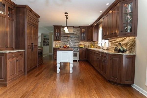 Tủ bếp từ gỗ óc chó giá bao nhiêu