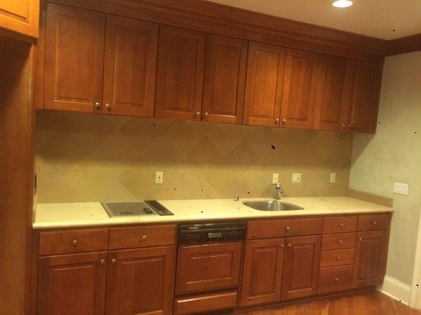 Tủ bếp gỗ gõ đỏ TB006