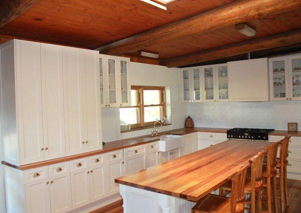 Tủ bếp gỗ sồi TB011