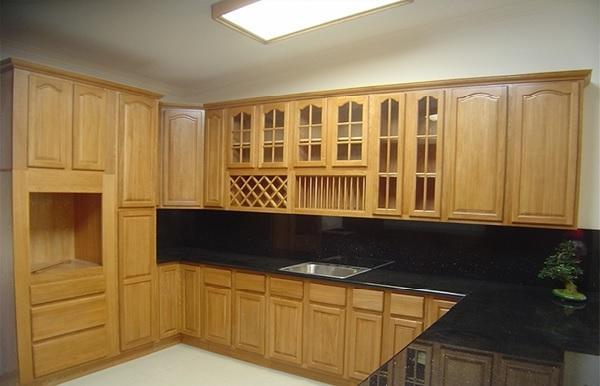Tủ bếp gỗ tự nhiên làm từ sồi