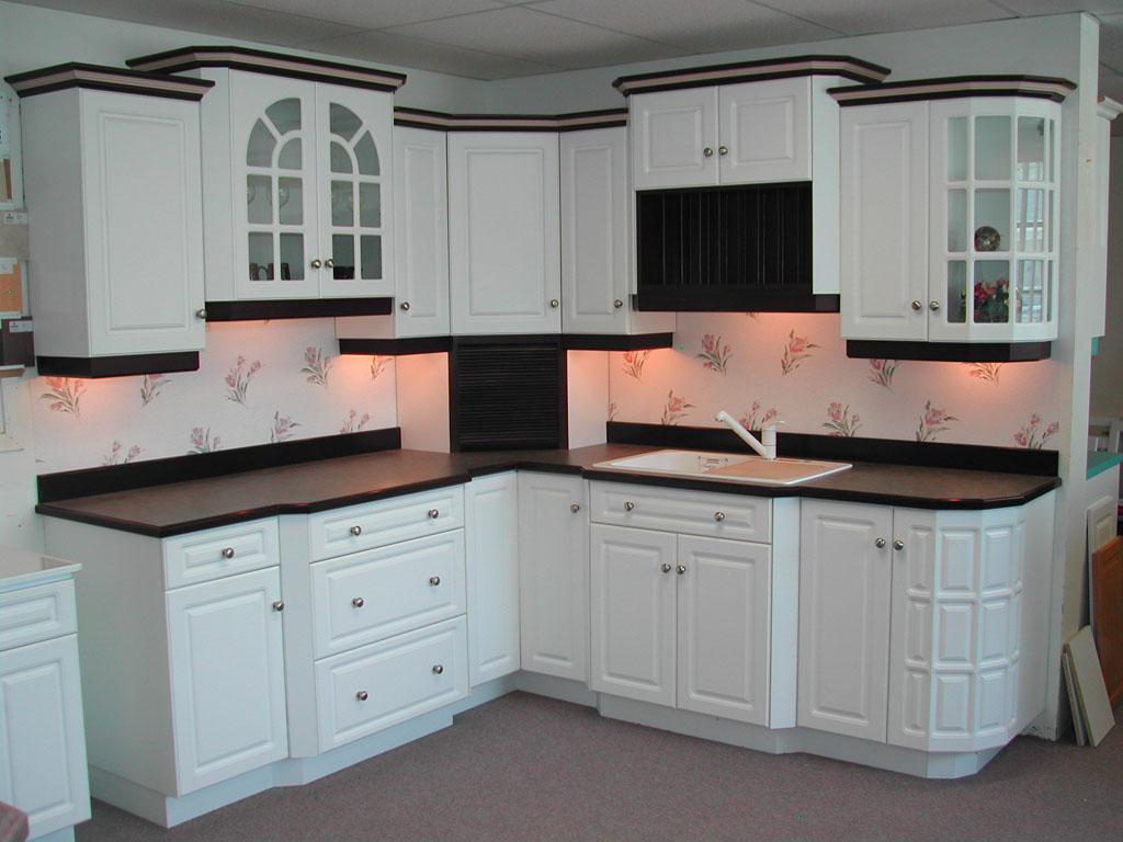 Gỗ sồi trắng làm tủ bếp hiện đại, sang trọng