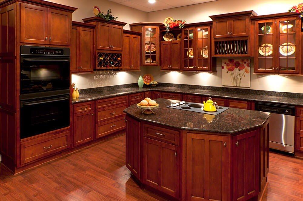 Nhiều mẫu tủ bếp bằng gỗ sang trọng, hợp phong thủy